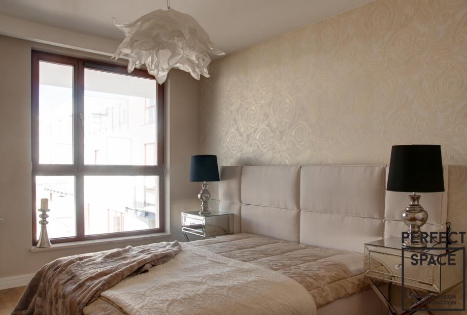 perfectspace-aranzacja-sypialni-w-kobiecym-stylu-w-kolorze-kremowym-z-designerskimi-dodatkami