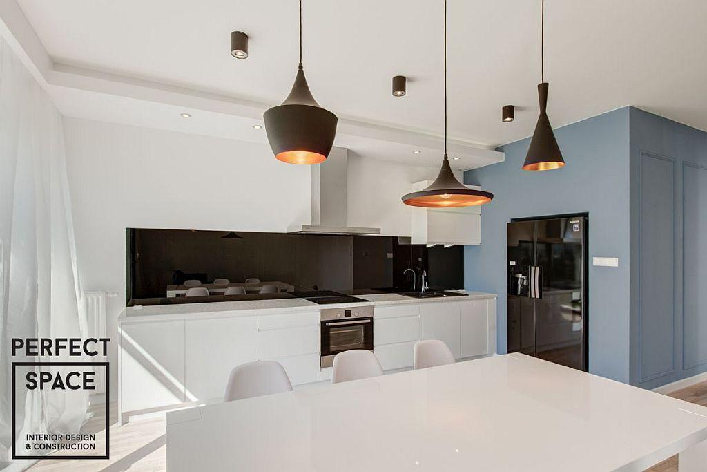 bruzdowa_bialy-00161 Wykończenia wnętrz - kwestia oświetlenia kuchni