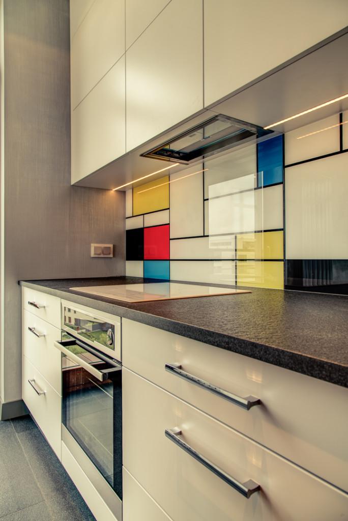 perfectspace-aranzacja-wnetrza-kuchni-z-backsplashem-zamiast-plytek