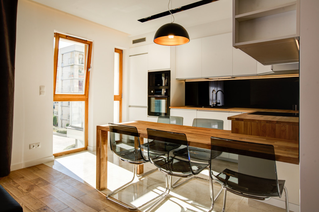 perfectspace-plastikowe-krzesla-to-hit-wedlug-projektanta-wnetrz