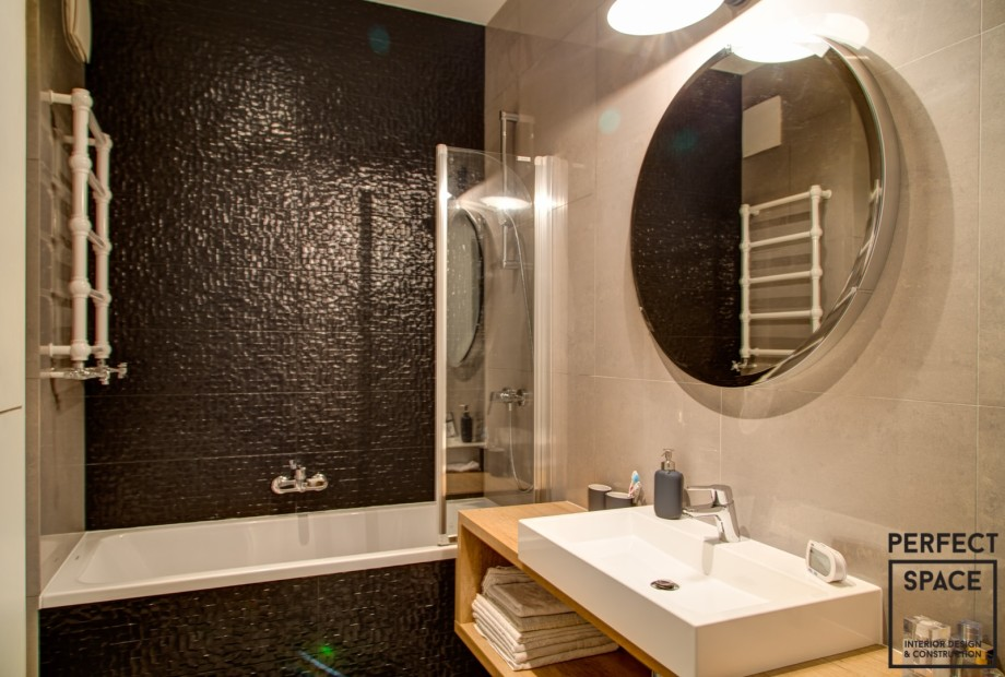 Designerski-grzejnik-w-łazience-pasujący-do-aranzacji-wnętrza Projektant wnętrz radzi: wybór grzejnika do łazienki