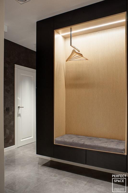 42.-Perfect-Space-2-poziomowe-mieszkanie-min-683x1024 Pierwsze wrażenie jest wszystkim, czyli przedpokój w aranżacji wnętrz