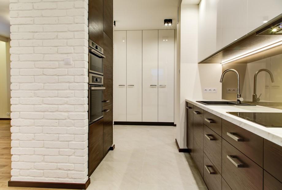 Projektant-wnętrz-zwraca-uwagę-zarówno-na-wygląd-jak-i-funkcje-baterii-kcuhennej Projektant wnętrz radzi: jak dobrać baterię do kuchni?