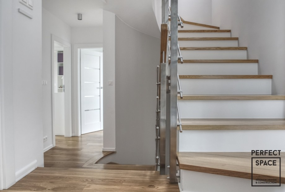 Przy aranzacji wnętrz schody powinny się dobrze komponować z podłogą
