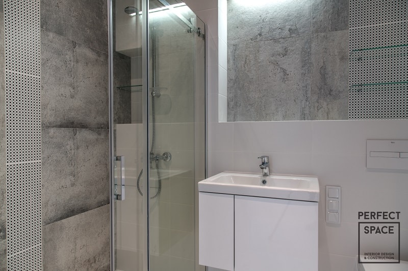 Prysznic-to-jeden-z-najbardziej-wyrazistych-elementów-dekoracyjnych-wnętrza-łazienki. Projektant pod prysznicem: deszczownica czy tradycyjna słuchawka?