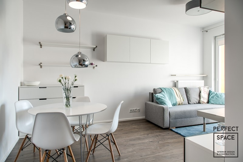 Perfect-Space-aranzacja-wnetrza-salonu-z-kilkoma-punktami-swietlnymi-1024x682 Aranżacja wnętrza salonu: Jak dobrać oświetlenie do pokoju dziennego?