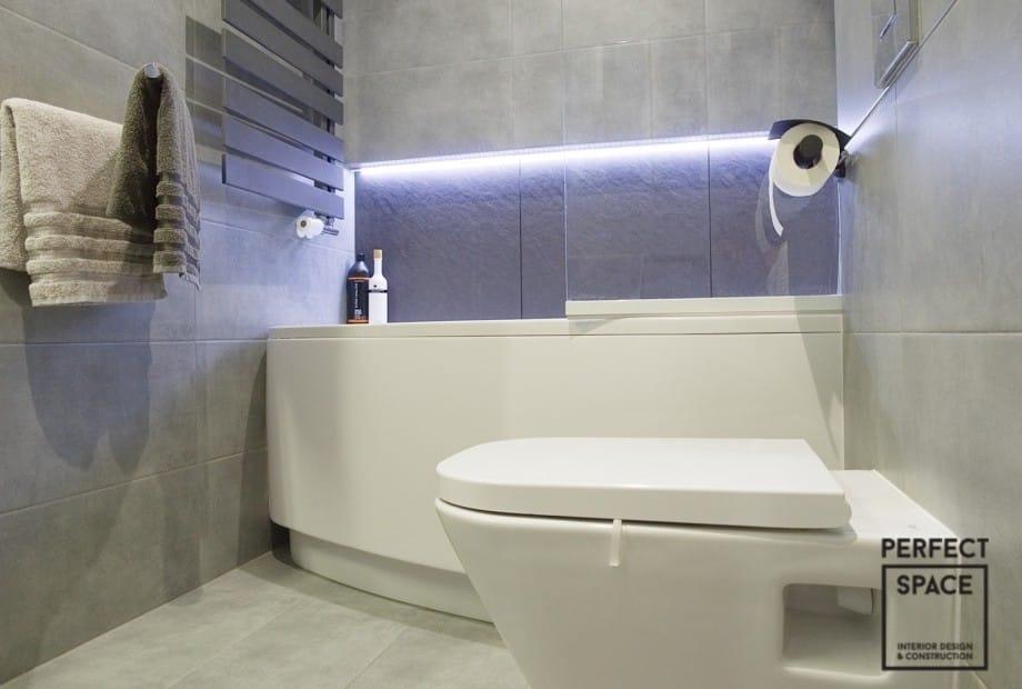 Wykonczone-wnetrze-nowoczesnej-lazienki-prysznic-bez-brodzika-z-odplywem-liniowym Wykańczanie wnętrz: 5 cech nowoczesnej łazienki