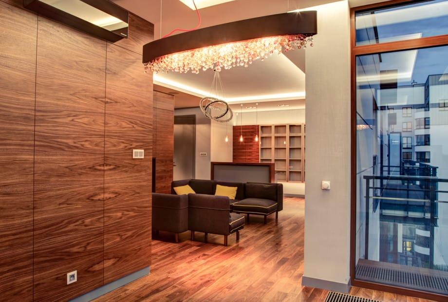 Architekci-wnetrz-zachecaja-do-odwaznych-form-zyrandola Co ma wisieć... Architekt wnętrz o wyborze żyrandola