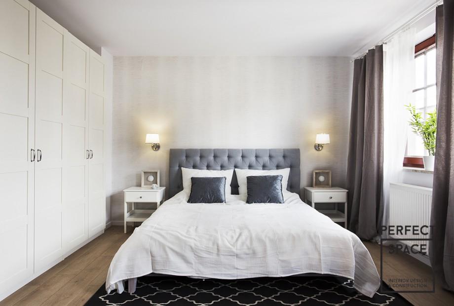 Perfect-Space-aranzacja-sypialni-z-duza-iloscia-blekitu Jak ze snu! 5 pomysłów na aranżację sypialni